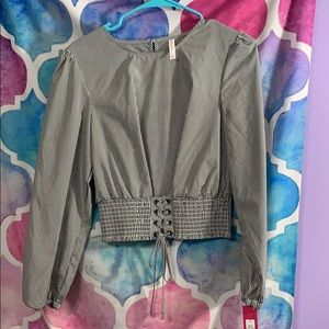 Shimmery grey and white striped chinch top w tags